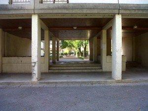 le hall d'entrée d'un immeuble