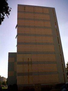 façade d'un immeuble --'
